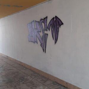 """Muro imbrattato. Gramegna lancia l'invito: """"Facciamo un murales tutti insieme"""""""