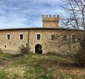 """Italia Nostra a Rocca Montevarmine: """"Bene da tutelare, basta con l'incuria"""""""